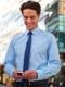 Camicia da divisa uomo elegante, maniche lunghe, modello slim fit, colore azzurro, tessuto cotone poliestere, easy iron, pantaloni eleganti grigi