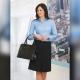Camicia da divisa donna elegante, maniche lunghe, modello semi-fit, colore bianco, tessuto cotone, easy iron, gonna elegante nero